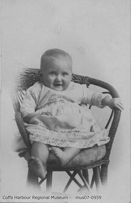 mus07-0959_Dorothy Black 8 mths 1918